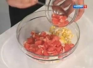 Полезный салат из курицы