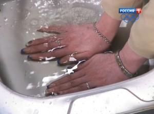 Почему надо парить руки
